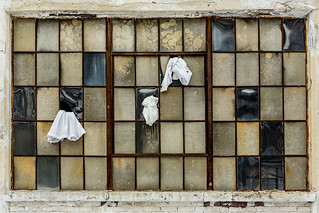 Warehouse window in state of disrepair - Niagara Falls | by Phil Marion