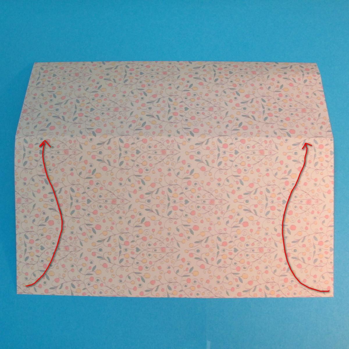 วิธีพับกระดาษเป็นผีเสื้อหางแฉก 010