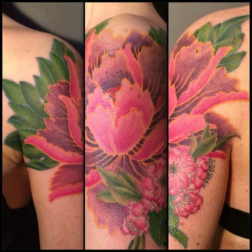 Pivoine Tattoo by Paco | by fisherman_tattoo_club