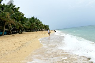 Poctoy White Beach in Torrijos | by Traveling Morion