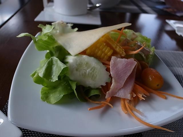 <p>m)私の朝食</p>