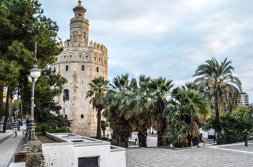 torre del oro II | by camilo g. r.