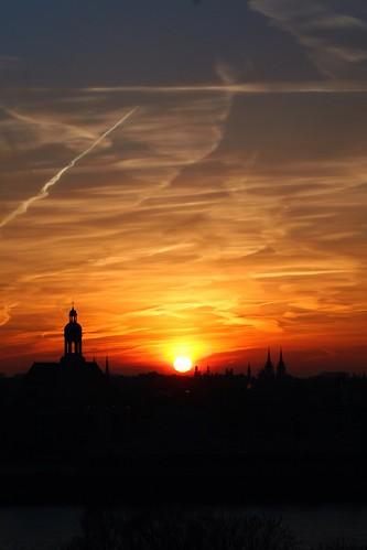 skyline sunrise dawn day belgium belgique antwerp belgica antwerpen amberes anvers uploaded:by=flickrmobile flickriosapp:filter=nofilter pwpartlycloudy