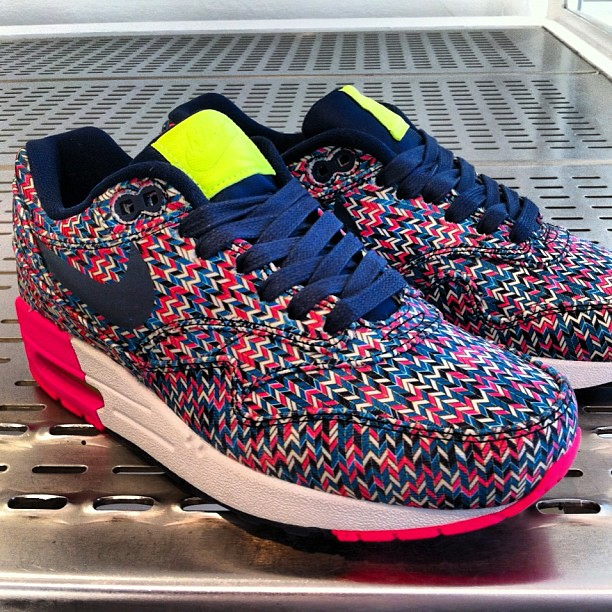 best sneakers f3f75 f2f68 NIKE air Max 1 sp ( zig Zag pack)  colette  colettestore