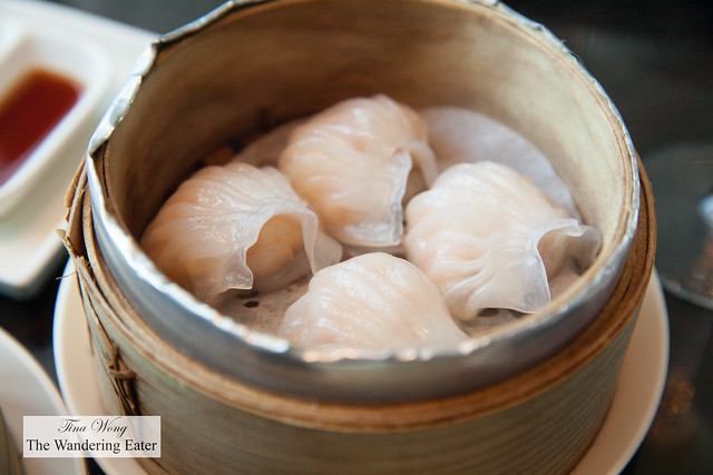 Crystal shrimp dumplings or Har gow 蝦餃