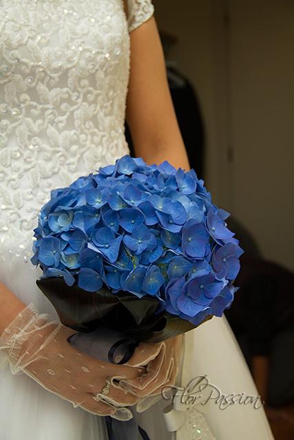 Bouquet Sposa Ortensie.Bouquet Sposa Con Ortensia Blu E Foglie Di Cordyline Flickr
