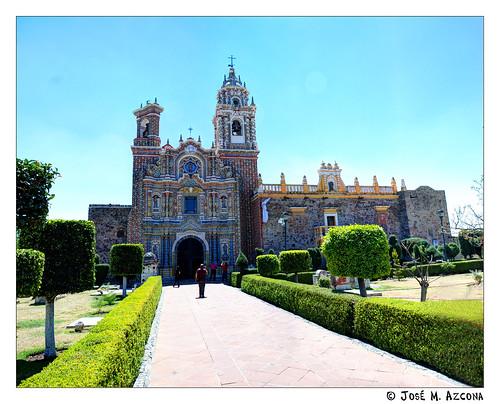 San Andres Cholula (México). Templo de San Francisco Acatepec.