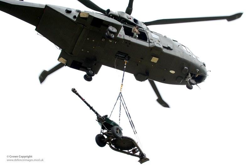 Merlin Helicopter Carrying 105mm Light Gun