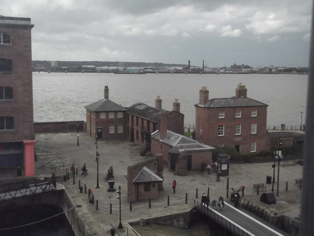 Albert Dock Liverpool Mermaid House And Piermaster S Ho