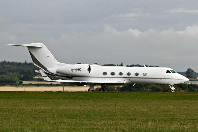 Gulfstream G450 :  M-MNDG.