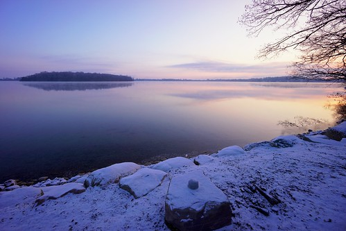 winter lake snow sunrise michigan sony orchardlake apsc nex7 sel1018 e1018mmf4oss ©jakejung gettyimagesjapan14q1
