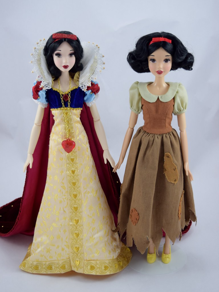 2009 Disney Store Limited Edition Snow White 17'' Doll and