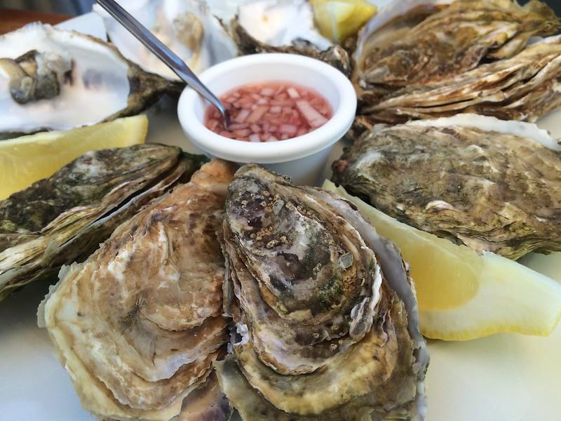 Die letzten französischen Austern bevor es nach Spanien geht