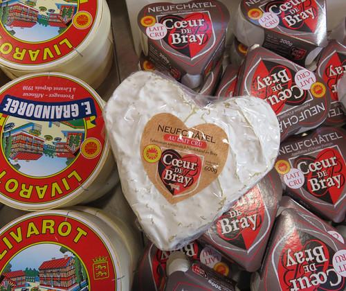 Neufchatel cheese for sale in Livarot