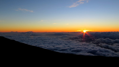 hawaii maui haleakala volcano sunset sun clouds scenery landscape peterch51 haleakalanationalpark haleakalā america usa