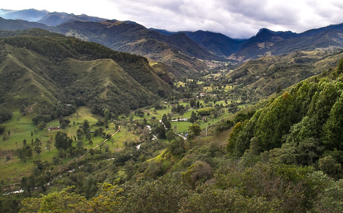 salento colombia cocoravalley valledecocora elmirador vista sky clouds leaningladder canon 7d waxpalm mountain