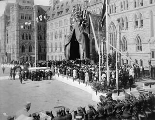 Laying the cornerstone of the Peace Tower at the Parliament Buildings in Ottawa, on September 1, 1919... / Pose de la première pierre de la Tour de la Paix du Parlement, à Ottawa, le 1er septembre 1919...