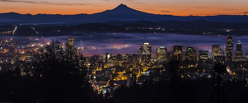 portland downtown pittock fog cloud color oregon view mountain skyscraper skyline lights canon camera photo explore pink orange fall sunrise sun morning
