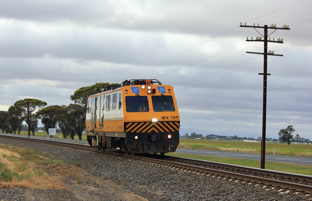 IEV100 speeds out of Horsham on route to Rainbow by bukk05