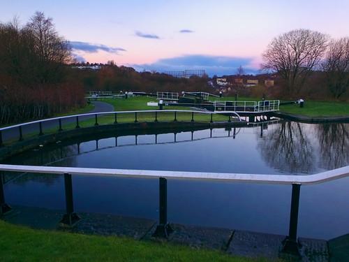 Maryhill Flight, Lock 24 turning pond