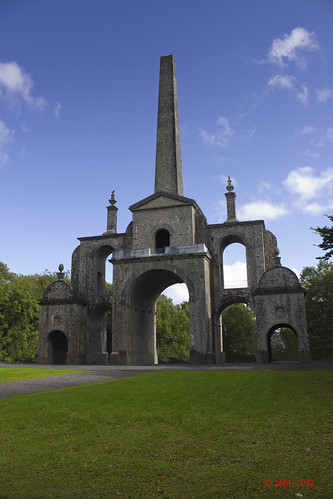mbe 2011 september connolly folly connolys obilisk carton autumn castletownhouse cartondemesne kildare famine restored sky clouds obelisk