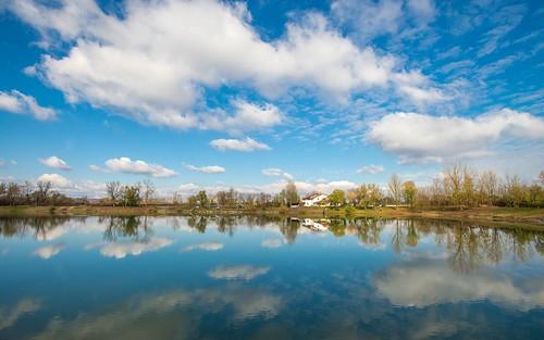 autumn lakes autumncolours lakezajarki zaprešić zajarki hrvatska croatia nikond600 nikkor173528 cloudy clouds sky