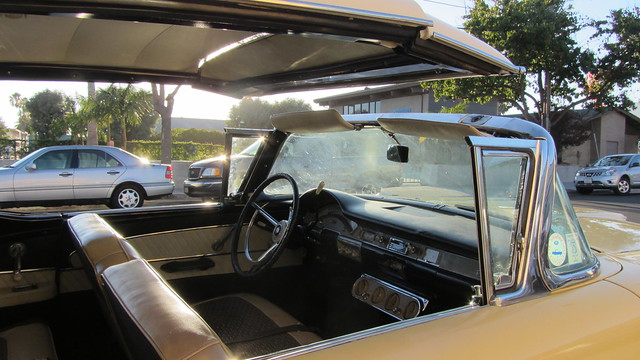 IMG_1426 1958 ford fairlane skyliner retractable roof to windshield dash
