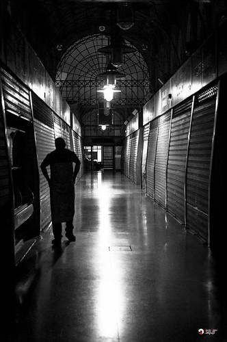Closing the market - p365jvr - 18 de octubre de 2013. 291/365 | by Javier Vegas (Alias El Vegas)