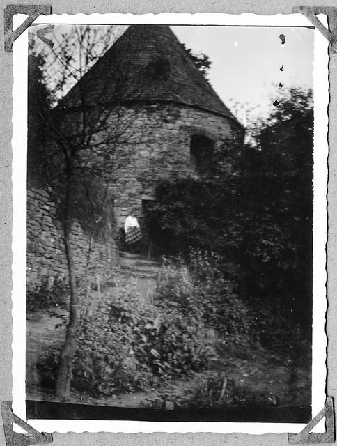 Archiv Chr005 Turm des Schlosses Hardenberg in Velbert, 1926