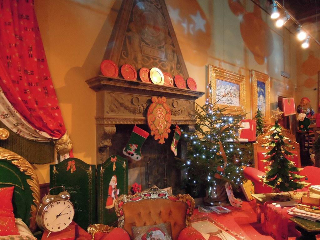 Camino Di Babbo Natale.Casa Di Babbo Natale Montecatini Terme Caminetto Flickr