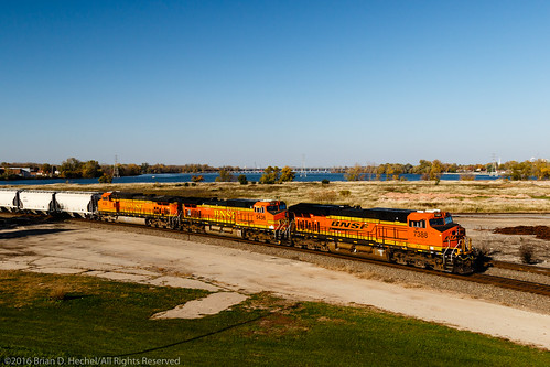 a bnsf bnsf7388 bnsfrailway canadiannational canadiannationalneenahsubdivision es44dc ge gees44dc generalelectric littlelakebuttedemorts geo:lat=4418681500 geo:lon=8847083167 geotagged railroad sandtrain train neenah wisconsin unitedstates us