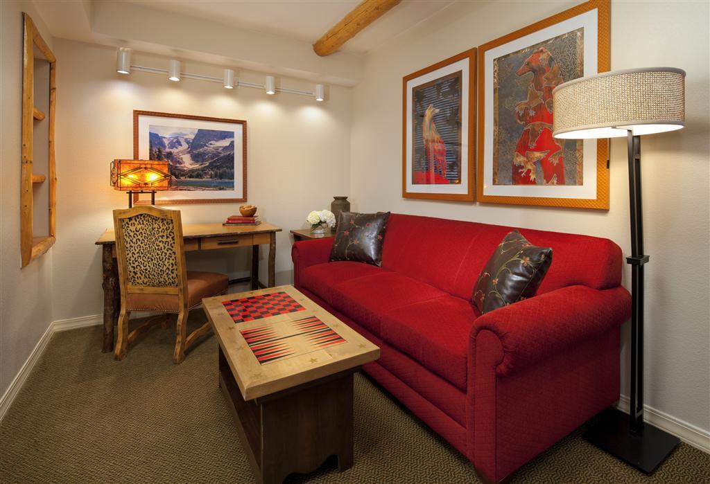 Atlanta perimeter hotel suites two bedroom villa den - Two bedroom suites in atlanta ga ...