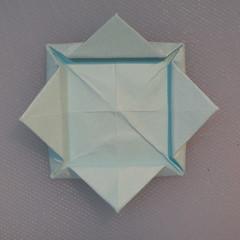 วิธีการพับกระดาษเป็นรูปโบว์ติดกล่องของขวัญ 009