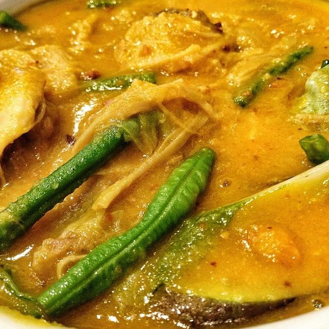 Kare-kare Beef tripe, pork leg chunks and vegetables slowl