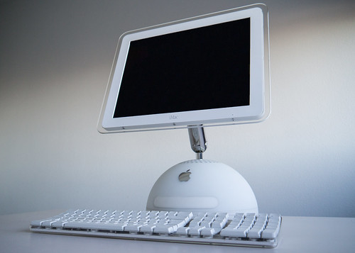 iMac G4 and keyboard | by maxime.bober