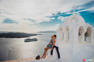 Engagement or wedding photography at Santorini, Greece | by Mukhina Ekaterina