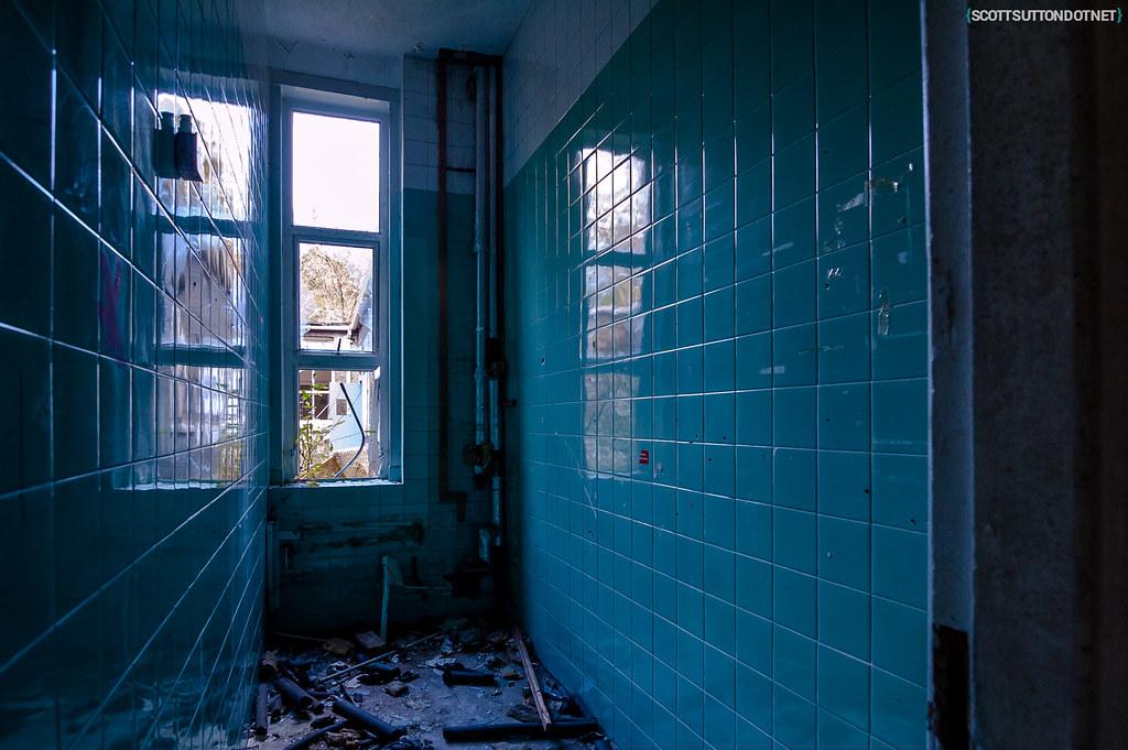 Blue tiled room at Mountain Ash Hospital