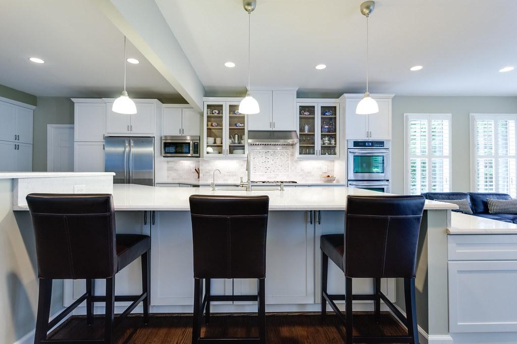 Gorgeous Kitchen Renovation In Potomac Maryland: Potomac MD Traditional Kitchen 11