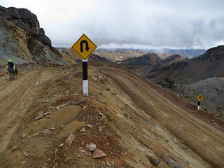 One of the few hairpins on the climb to Abra Ritipata | by Pikes On Bikes