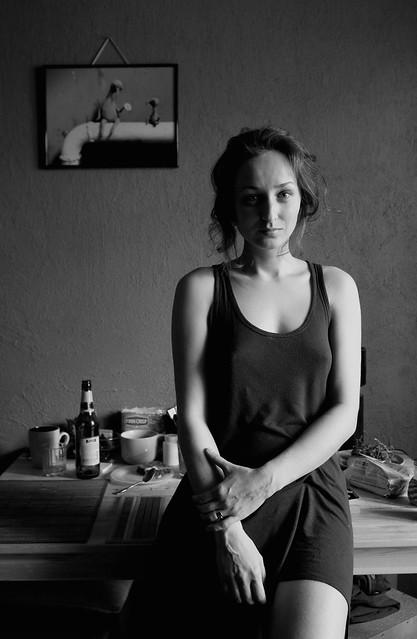 Олеся. Портрет на кухне.