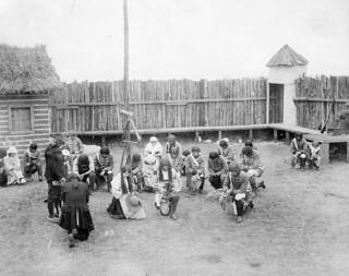 "Still photograph of a scene from the 1906 motion picture ""Madeleine de Verchères"" / Photographie de plateau du film « Madeleine de Verchères », tourné en 1906"