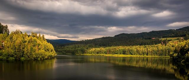Beskid Slaski - Czernianskie lake dam - Zapora na jeziorze Czernianskim - polish Beskid mountains landscape