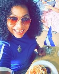 Celebrando el día del Salvadoreño en el exterior comiendo unas ricas pupusas ❤️️