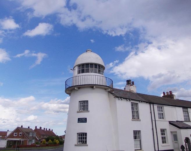 Paull Lighthouse ..