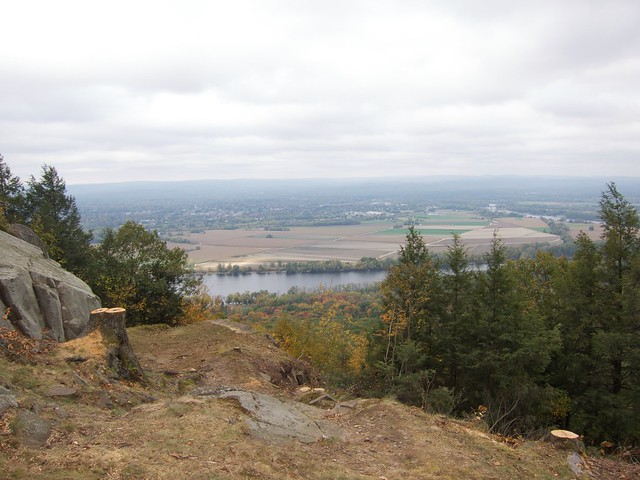 1:58:26 (82%): day cloudy hiking massachusetts mtholyoke holyokerange metacometmonadnocktrail