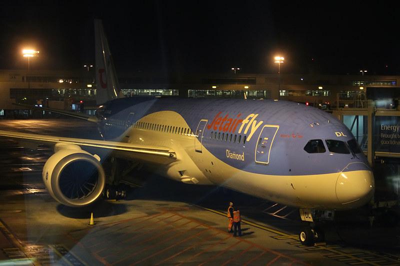 Boeing 787-8 Dreamliner – Jetairfly (TUI Airlines Belgium) – OO-JDL – Brussels Airport (BRU EBBR) – 2013 12 08 – Parked – 02 – Copyright © 2013 Ivan Coninx Photography
