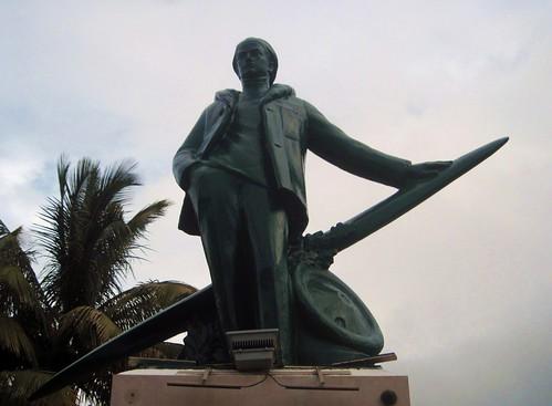 sculpture monument statue memorial wwi indianocean greatwar aviator réunion rolandgarros 1418 saintdenis iledelaréunion aviateur reunionisland forestier océanindien grandeguerre
