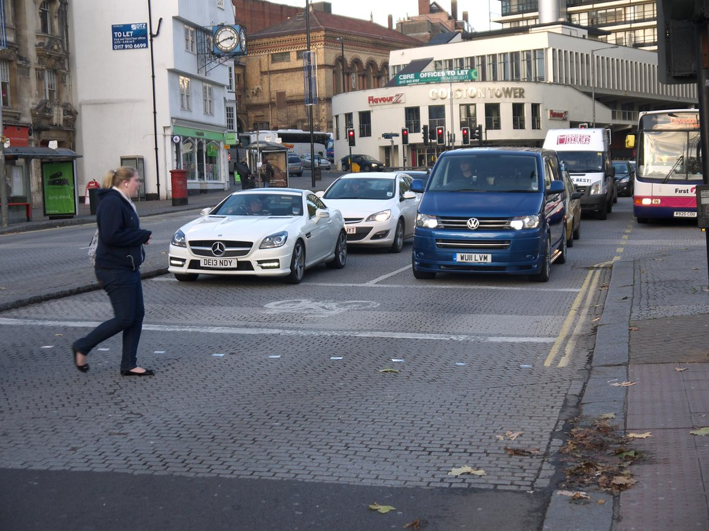 ASL At Pedestrian Crossing With No Lead-In Lane On St Augustine's Parade