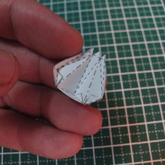 วิธีการทำโมเดลกระดาษเป็นสตอเบอรี่สีแดง 003