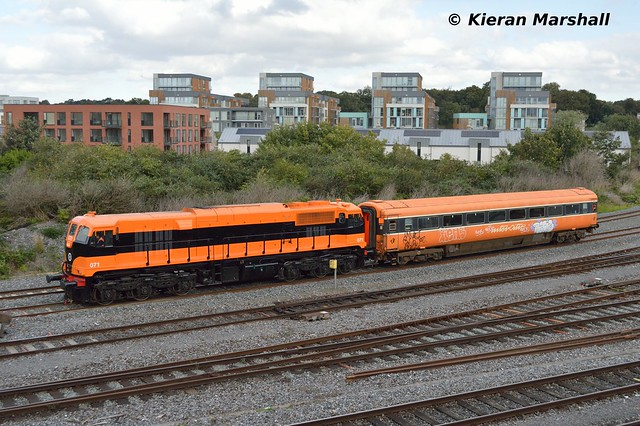071 passes Islandbridge Jn, 6/10/16